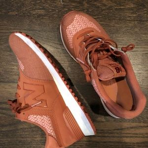 New Balance Women's Shoes Rust